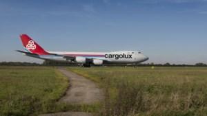 Tekort aan vrachtcapaciteit per vliegtuig vormt bedreiging voor coronabestrijding