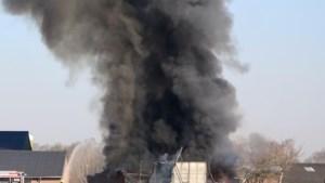 Brand in schuur Heibloem: rook in wijde omgeving te zien