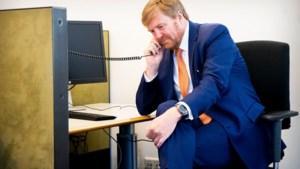 De race om beademingsapparaten, Willem-Alexander belt mee