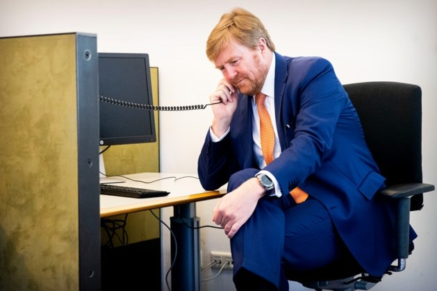 De race om beademingsapparaten, Willem-Alexander belt mee