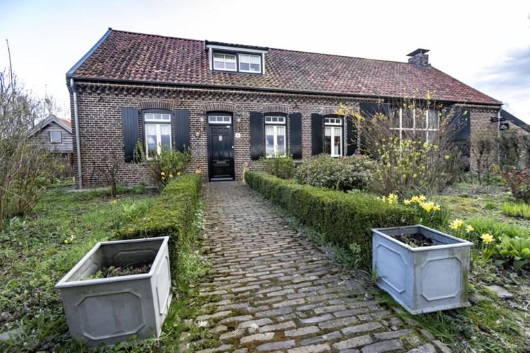 Harm spotte een ruïne in Leveroy en maakt er deze nostalgische woonboerderij van