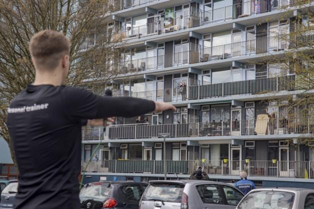 Fitnesstraining op eigen balkon voor flatbewoners