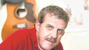 Zanger en liedjesschrijver Guus Smeets (71) overleden