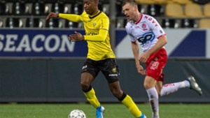 VVV legt drie spelers uit eigen jeugd vast