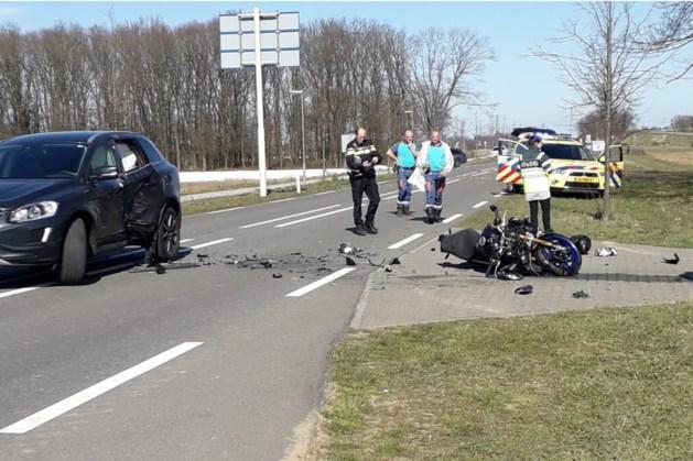 Ernstig ongeluk met motorrijder: traumahelikopter geland