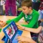 Heerlen onderneemt actie om leerlingen aan tablet te helpen