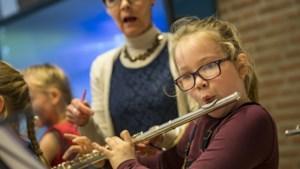 De muziekles biedt even ontspanning in deze coronatijd