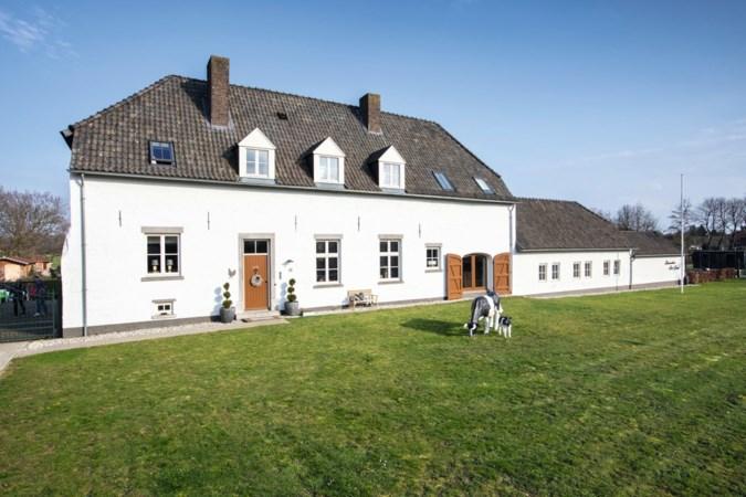 Han en Harriët maakten een gezellig Thomashuis van de eeuwenoude Kloosterhof in Sint Joost