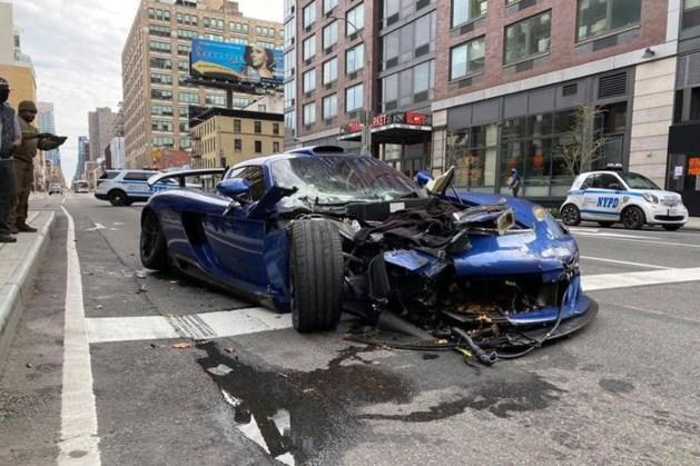 Twee miljoen kostende sportwagen laat spoor van vernieling achter in New York