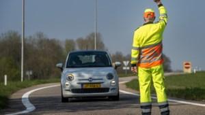 Controles op wegen naar afgesloten Heuvelland: Praat hij plat? Laat hem dan maar doorrijden