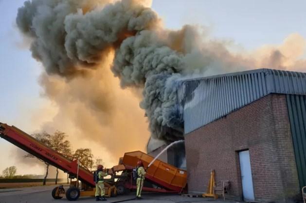 Grote brand in aardappelloods in Bergeijk: NL Alert verstuurd