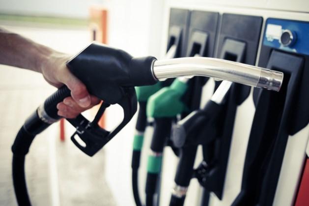 'Benzineprijzen stijgen na akkoord met paar cent per week'