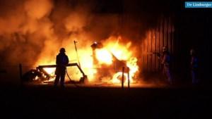 Brand paardenwagen slaat over naar stal in Ell