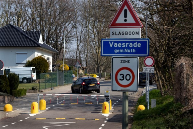 Zorgen over niet weghalen 'levensbedreigende' slagboom Naanhofsweg in Vaesrade