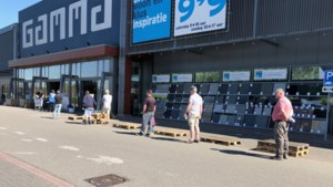 Een 'coronazaterdag' in Limburg: in de rij voor de Gamma en rust in de jachthavens