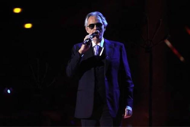 Andrea Bocelli zingt in lege Dom van Milaan