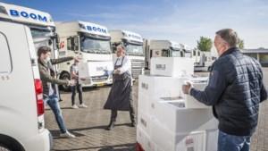 Personenvervoerders bezorgen 1040 aspergeboxen van Limburgs sterrenrestaurant
