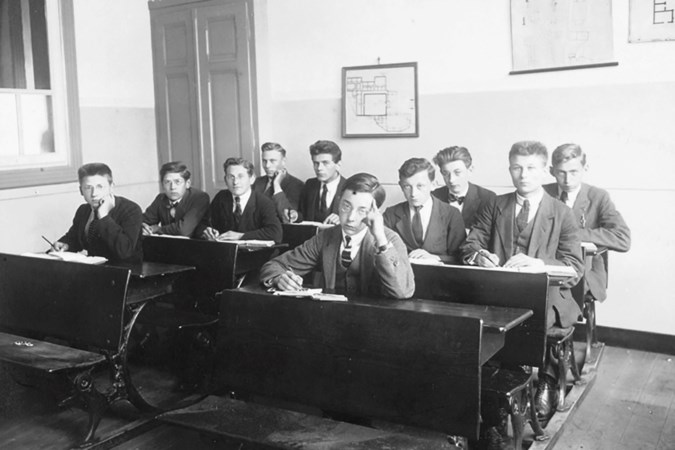 Geen eindexamens in 1945: zo werd het onderwijs weer opgepakt na de Tweede Wereldoorlog