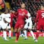 Vrees voor muitende spelers brengt einde Premier League dichterbij