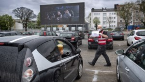 Nostalgische autokino herleeft ook in Aken: 'Ideaal en romantisch uitje tijdens corona'