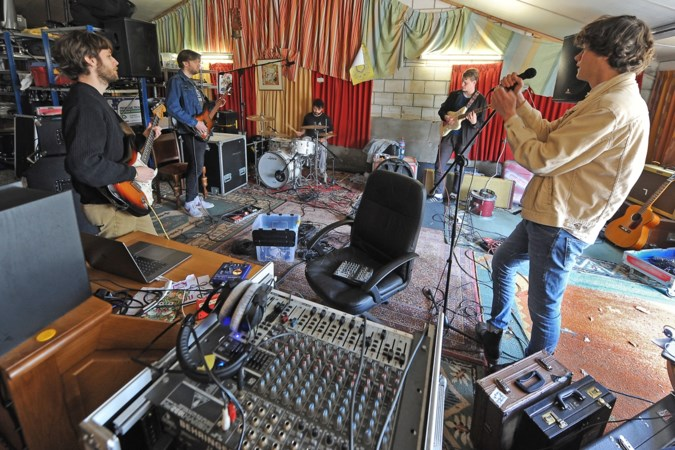 Nieuwe nummers opnemen in een oude varkensstal