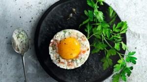 Recept: Trendy tartare van asperges met zalm en kruidencrème
