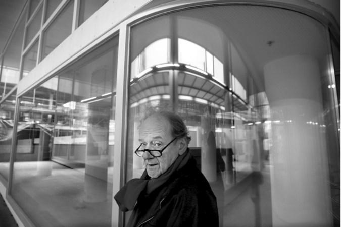Kunstenaar, architect, politicus en actievoerder Nic Tummers (92) overleden