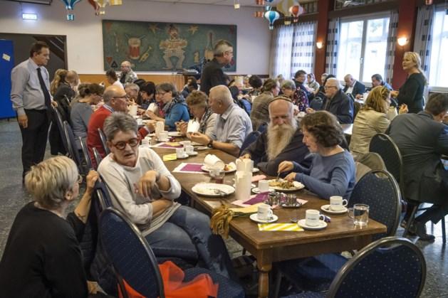 Caritas045 deelt voedsel uit in Heerlerheide en Heerlerbaan