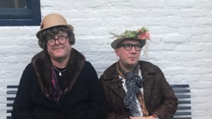Sittards duo Kwebbel en Sjebbel zorgt achter de geraniums voor wat vertier in coronacrisis