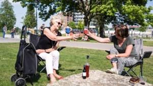 Vanaf de waterkant in Roermond: Leve de Koning!