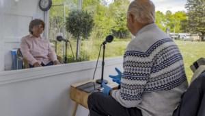 Bij Lückerheide in Kerkrade is familiebezoek mogelijk in mobiele huiskamers met planten
