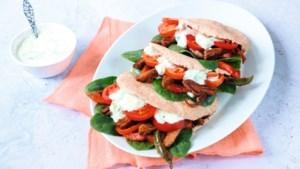 Snel en gezond: pita met vegetarische shoarma en tzatziki