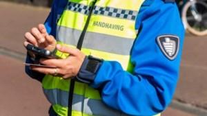 Man aangehouden voor inrijden op handhavers op Dam