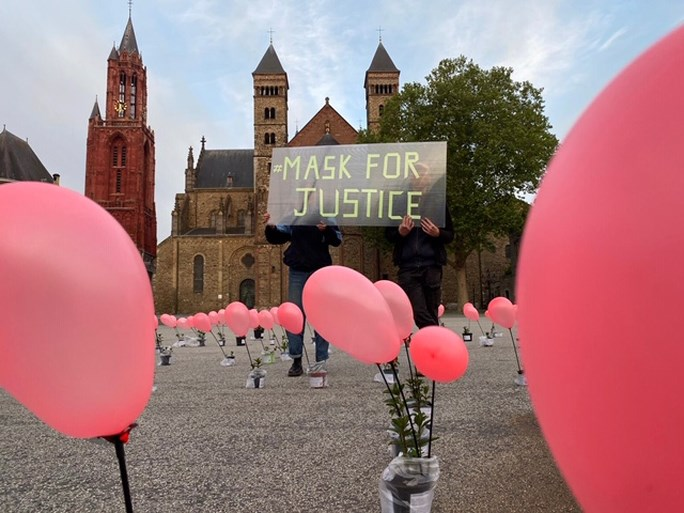 'Mask for Justice' op het Vrijthof in Maastricht