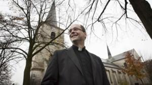 Deken van Schinnen hekelt verbod op kerkdiensten