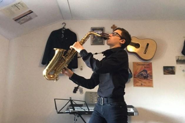Verzoekjes gespeeld op de saxofoon
