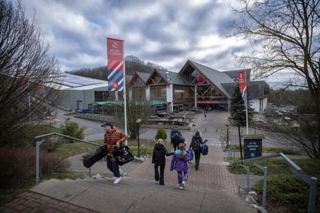 Sluiten van skihallen door corona raakt omzet SnowWorld