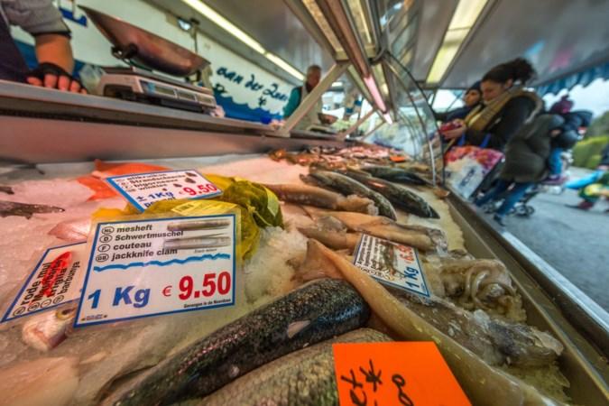 Gebakken visje weer gewild op weekmarkt Eygelshoven