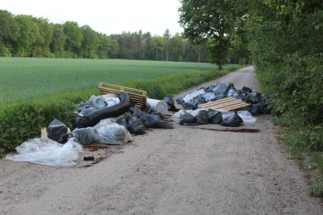 Grote partij hennepafval gedumpt in natuurgebied