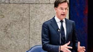 Rutte: 'Geen boete voor dragen medisch mondkapje in openbaar vervoer'