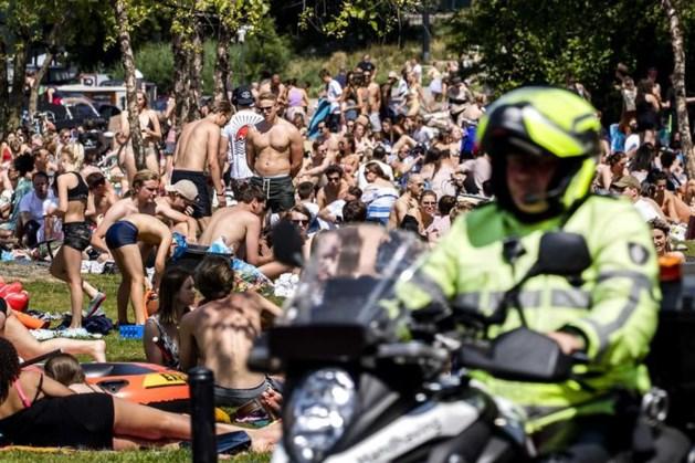 TERUGLEZEN   Drukte op meerdere plekken in het land: politie grijpt in