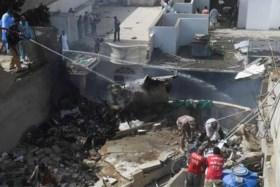 Waarschijnlijk geen overlevenden na neerstorten vliegtuig in Pakistan