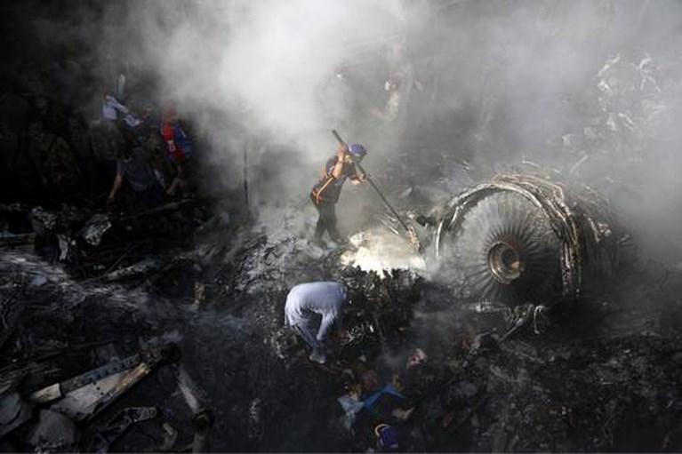 Overlevende crash Pakistan: 'Alles wat ik zag was rook en vuur, wat ik hoorde was gillen'