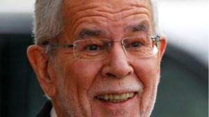 Oostenrijkse president betrapt in restaurant na corona-avondklok