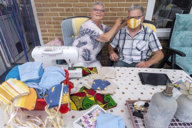 Francine maakt honderden mondkapjes voor haar buurt