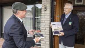 Leudalse veteranen krijgen verrassingspakket als opbeuring in coronatijd