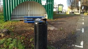 IJzeren container op hangplek in Valkenburg vervangen door tijdelijk afdak