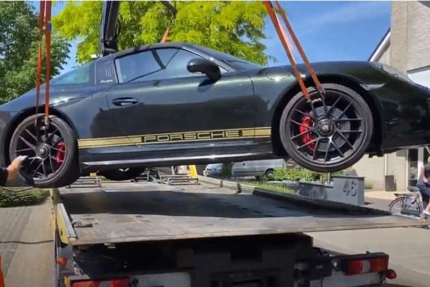 Niemand weet van wie dure Porsche is: buurtbewoners bellen politie
