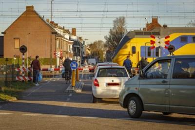 Pleidooi reizigersorganisatie voor aanpak Roermondse spoorwegovergang met hoge irritatiefactor