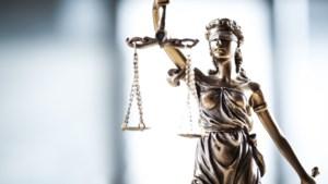 Jaar celstraf en tbs geëist voor poging carjacking in Susteren en overval op avondwinkel in Roermond